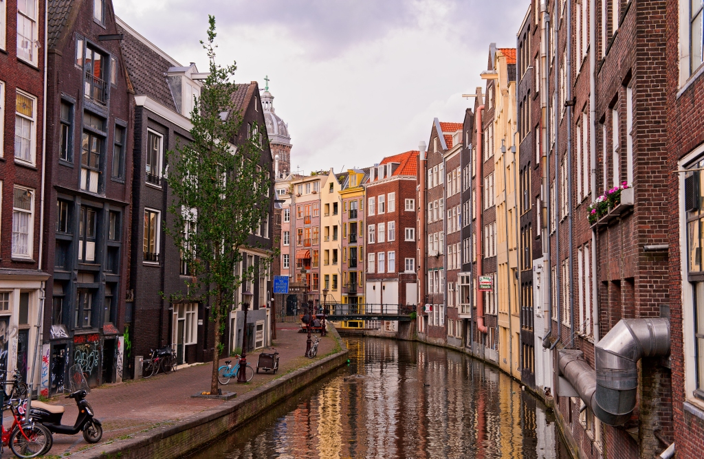Amsterdam canal and houses